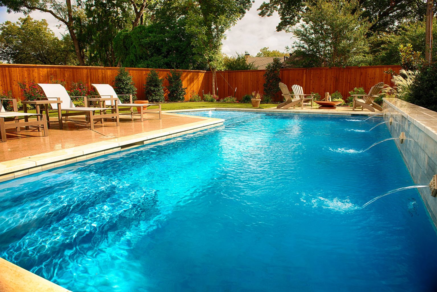 This is one last beautiful look at the gorgeous and intricate Canturbury Job. We absolutely love this pool and all of the beautiful features that it possesses!